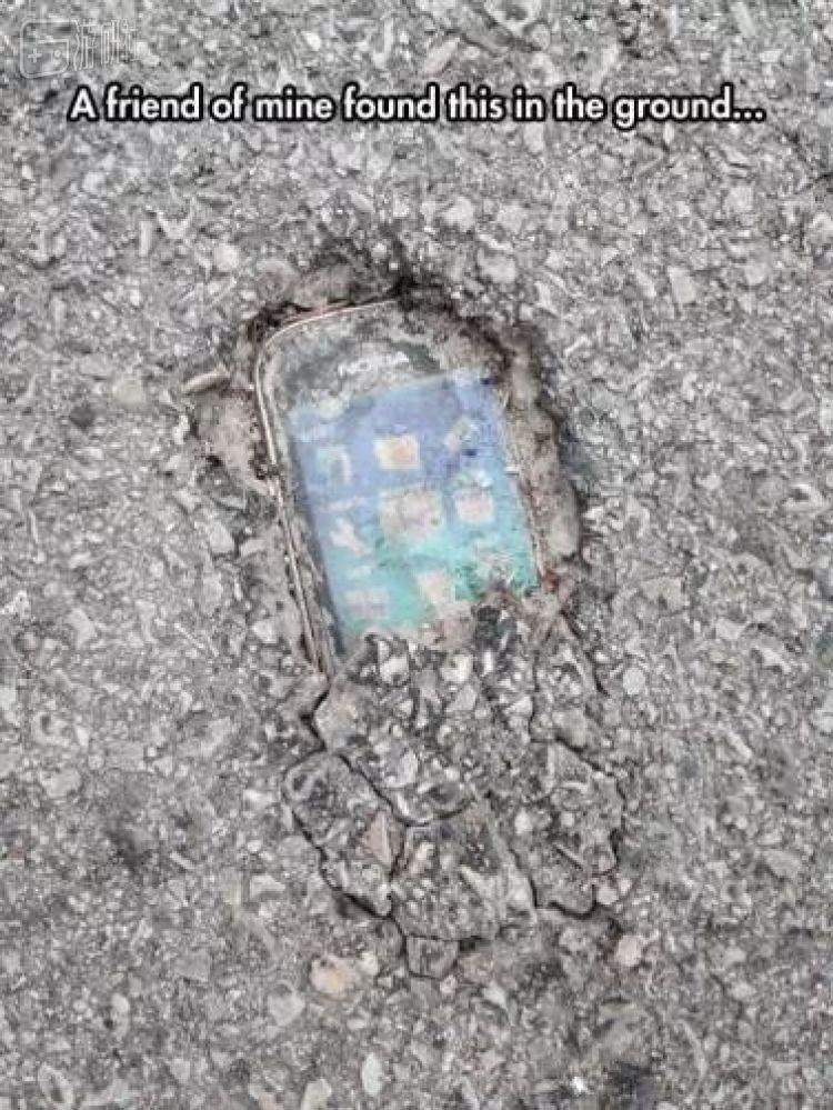 考古�家發掘出「手機化石」已經不是新鮮事了
